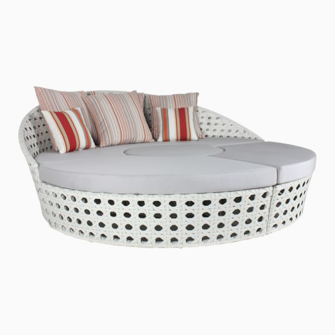 Agnes Patio Daybed